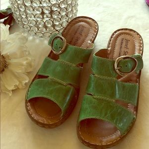 Josef Seibel green wedge sandal!!!!